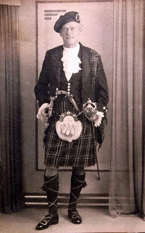 GG in Scottish Regalia.jpg