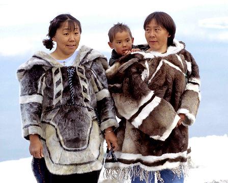 Inuit-Kleidung_1.jpg