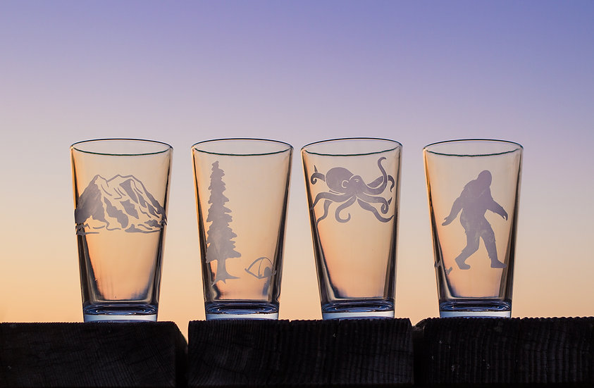 Clear Glass Pint (Specify Design)
