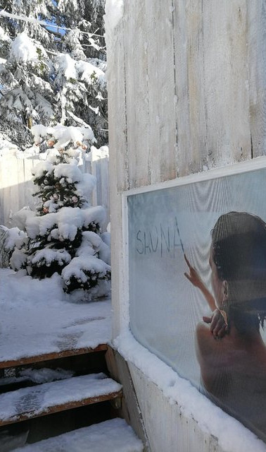 Zugang Sauna Cottage im Winter
