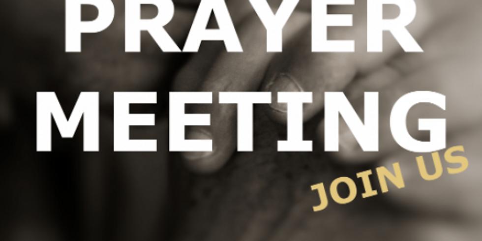 El Instituto's Family Prayer Meeting