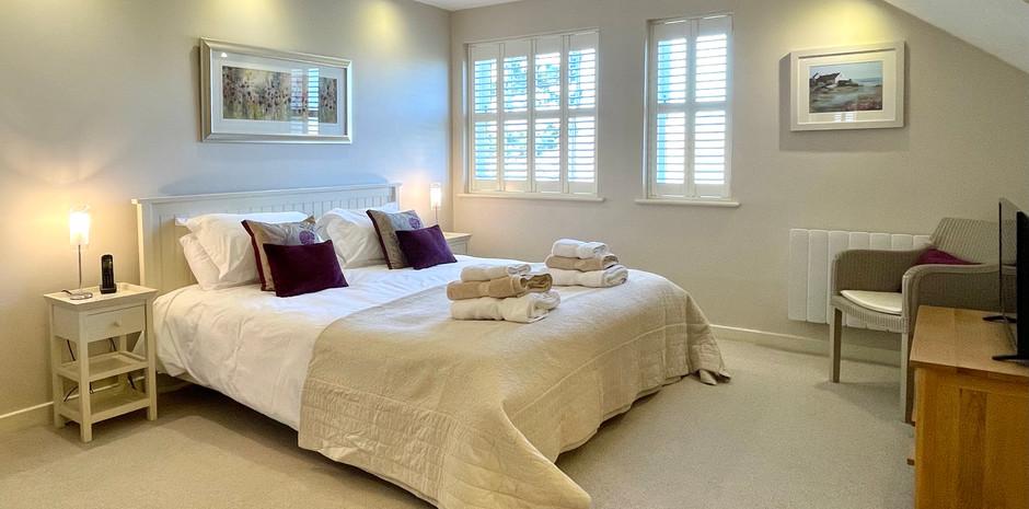 Principal Bedroom with super-king bed
