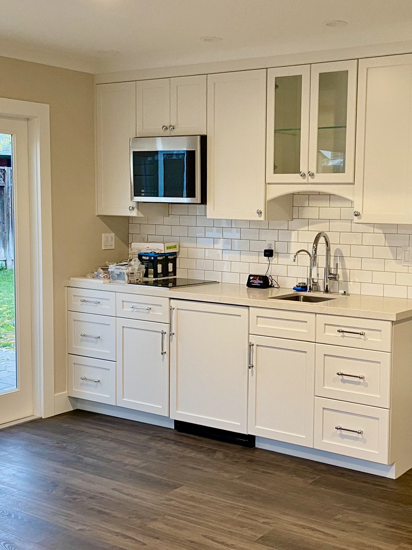 Compact Kitchen with Induction Cooktop