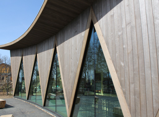 Le Zoo de la Garenne, un pavillon qui accueille ses clients vêtu de bois.