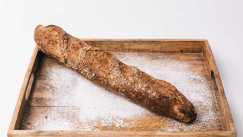Baguette noire aux graines