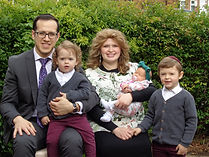 Rabbi&family.JPG