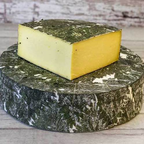 "Cornish Yarg ""Nettle Cheese"" 1.5kg Truckle"