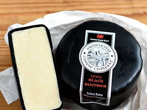 Whole Snowdonia Extra Mature Black Bomber (3kg Truckle)