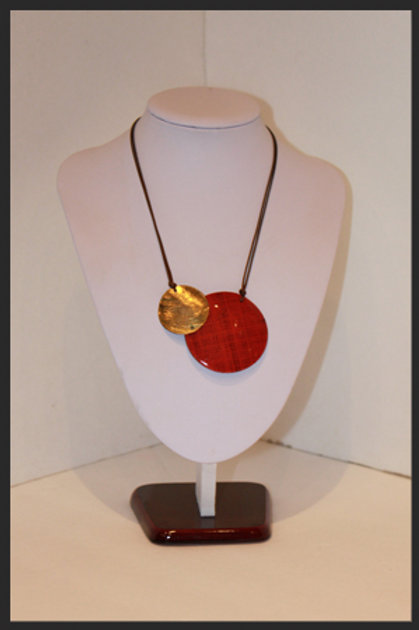 RED / GOLD DOUBLE CIRCLE NECKLACE