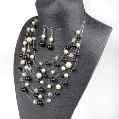 BLK/WHT PEARL NECKLACE & EARRING SET