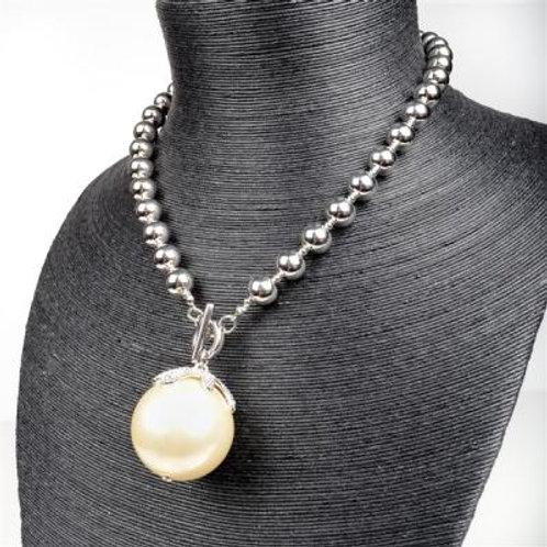 LARGE SILVER TOGGLE PEARL NECKLACE