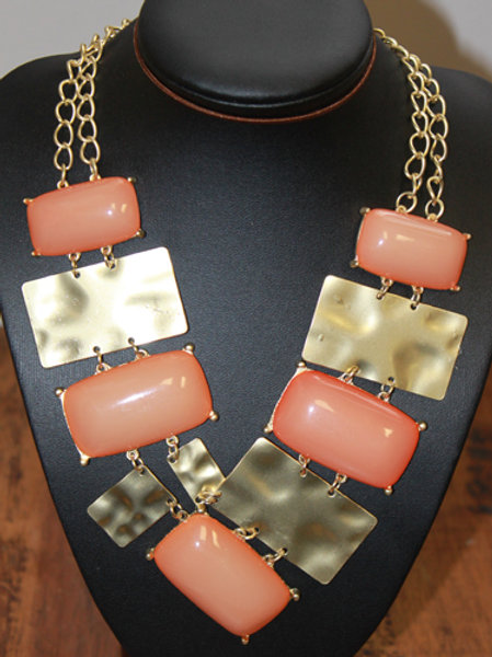 GOLD/PEACH NECKLACE EARRING SET