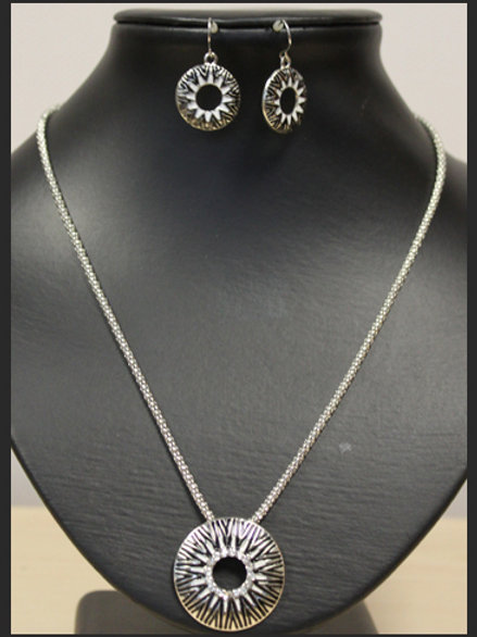 AZTEC CIRCLE NECKLACE WITH EARRINGS SET