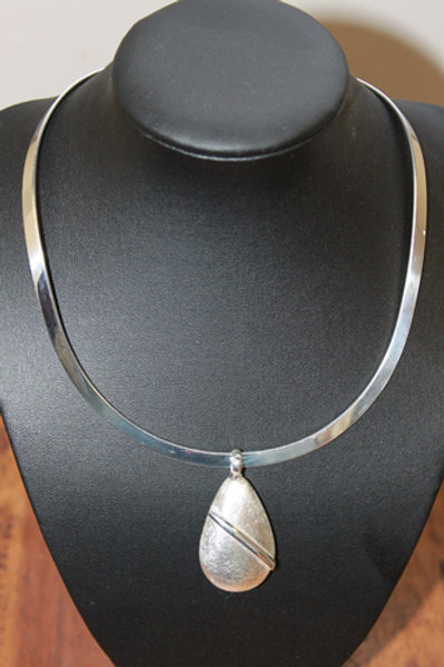 ALL SILVER TEAR DROP NECKLACE