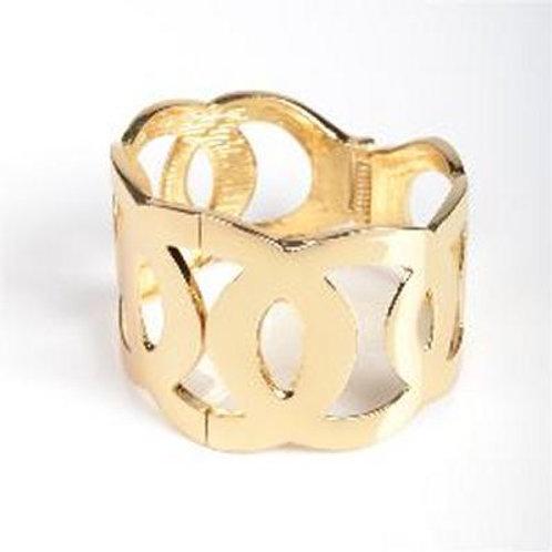 GOLD LOOPED BANGLE