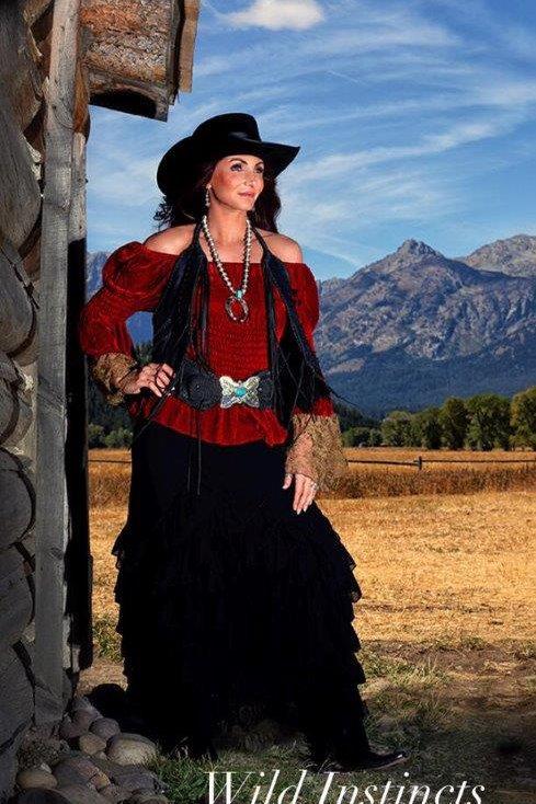 Flamenco Skirt in Lace & Peasant top in Velvet