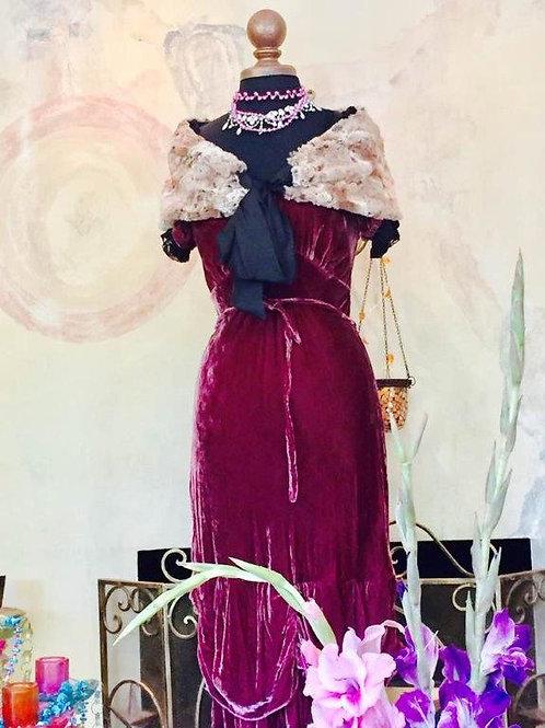 Bustier Dress in Velvet & Faux Fur Cape/Stola