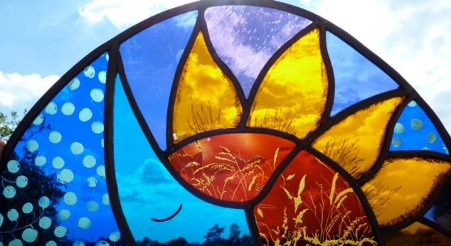 Shaped glass detail - Debbie Cowper