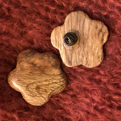 Broche pine