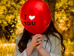 love-you-trauma-bonding-balloon-700x534.