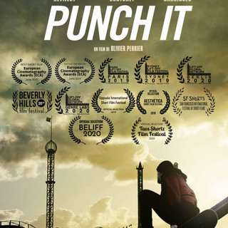 Punch It Poster AFFICHE_PUNCH-IT_LAURIER