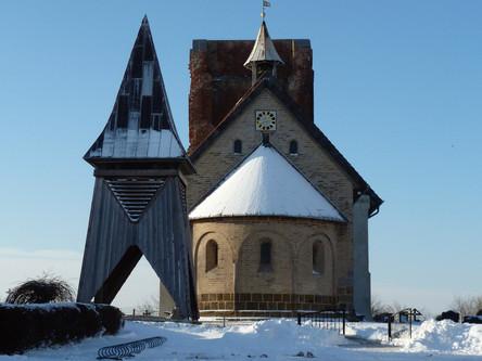 Die Alte Kirche im Schnee