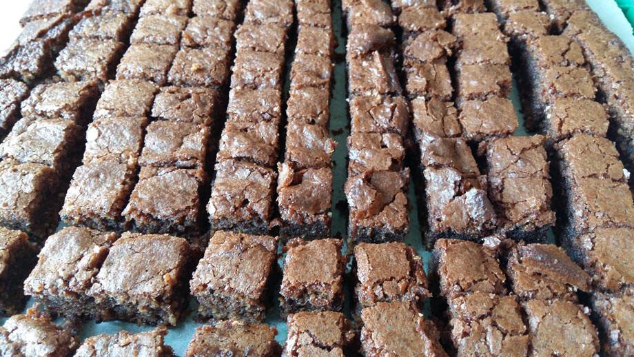 hanf-brownies_powernuts_rogers-kueche.jpg