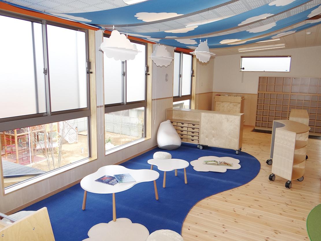 美園おひさま保育園:天空の図書館(3〜5歳児保育室)