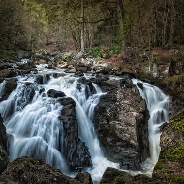 River Braan by M.Farrance