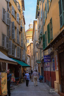 Small laneways in old Nice