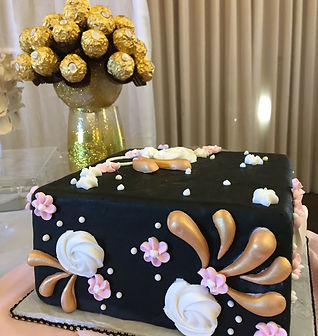 black fondant with gold cake.JPG