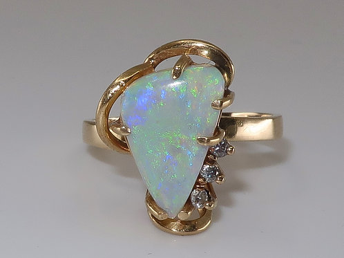 Ladies 14k and Jelly Opal ring with diamonds