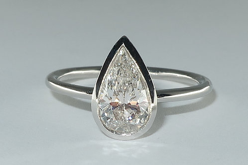 Solitaire Pear Brilliant Cut Diamond Solitaire Engagement/Anniversary Ring