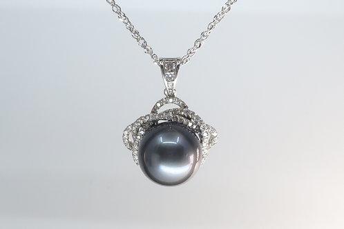 Ladies 14k white gold pendent Diamond and Tahitian Pearl Pendant