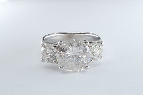 4.71cttw Classic   Style Past, Present and Future 3 Diamonds  Engagement/  Ring.