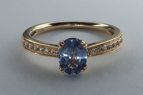 Oval Brilliant Cut Tanzanite and Diamond Ring, 14kt