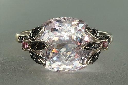 Ladies Morganite and Black Diamond Ring