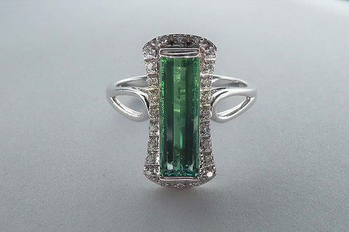 Art Deco style 18 Karat White Gold Green Tourmaline and Diamond Ring