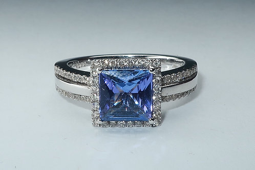 Ladies halo design Tanzanite and diamonds ring