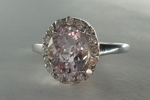 Ladies Halo Design Morganite and Diamond Ring