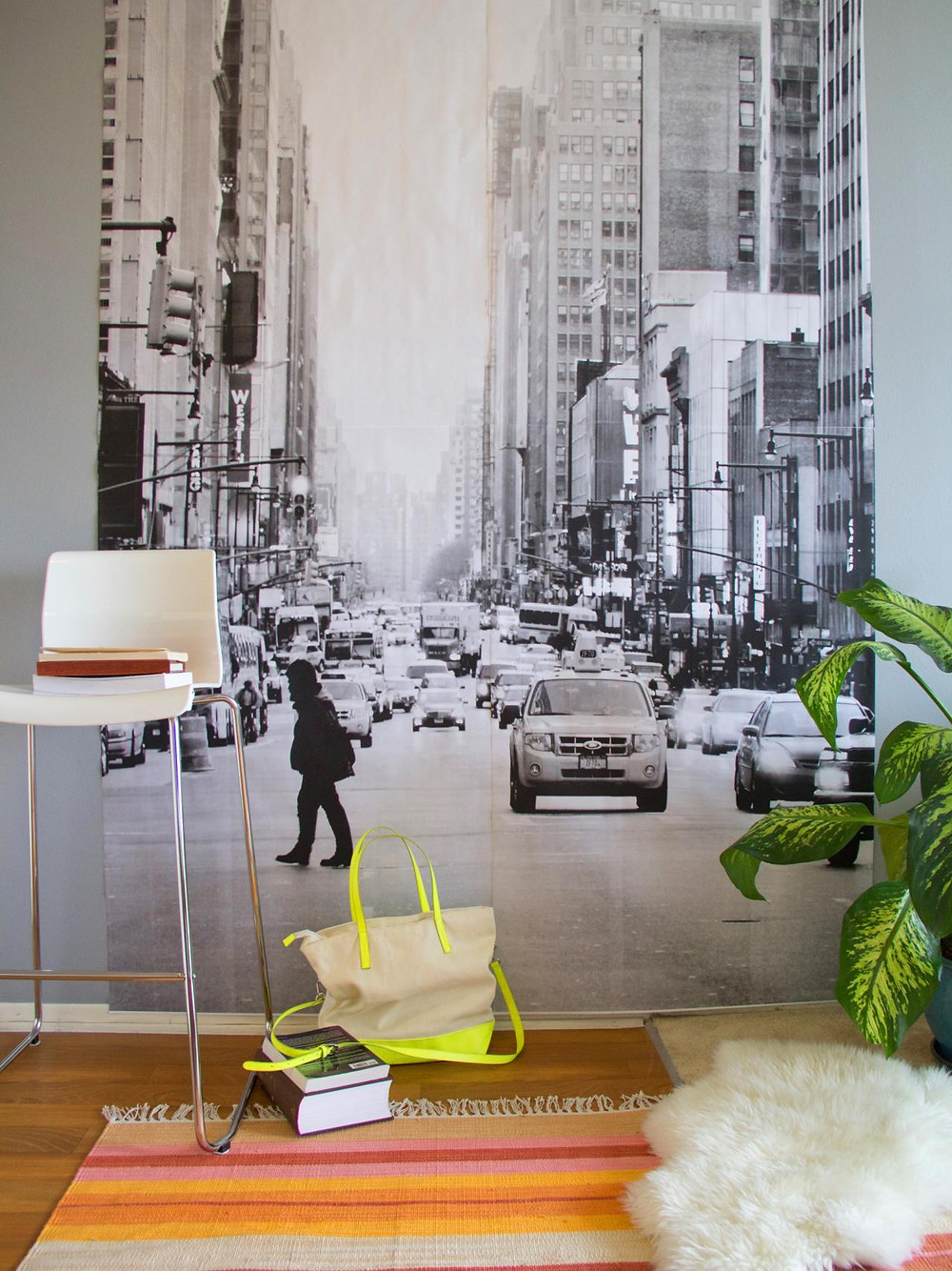 Decor with oversize images