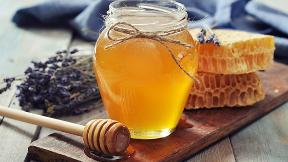 honey_in_jar_honeycomb_163208750_1200px.