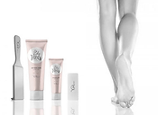 Yumi-feet-N&B-2.png
