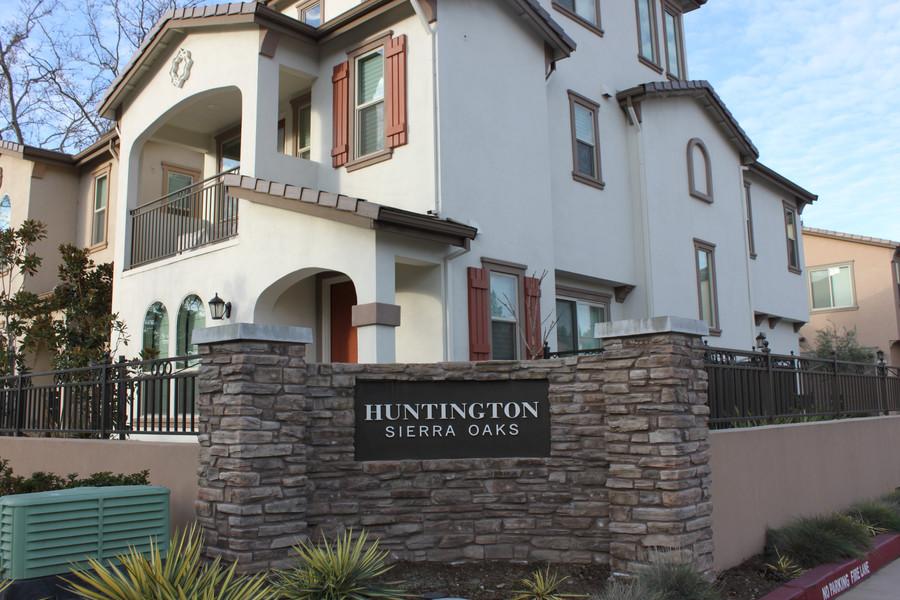Huntington Sierra Oaks