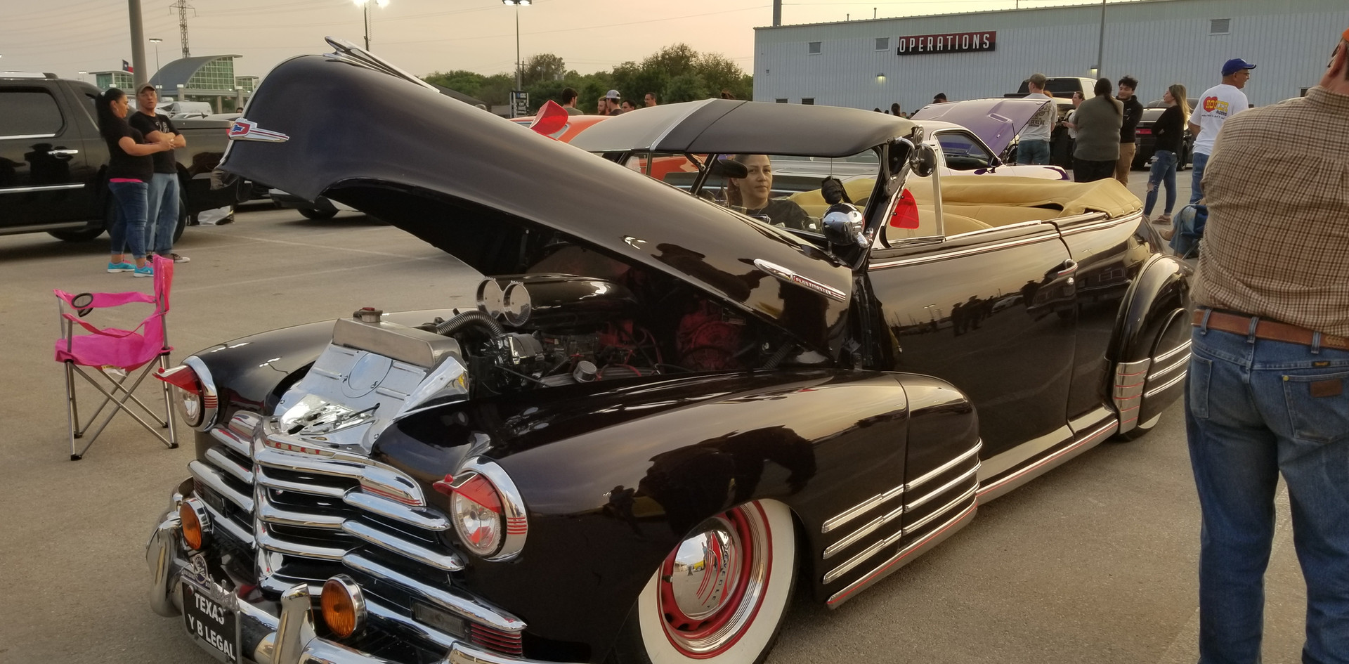Black Car at FNL