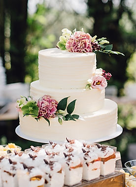 white floral buttercream wedding cake