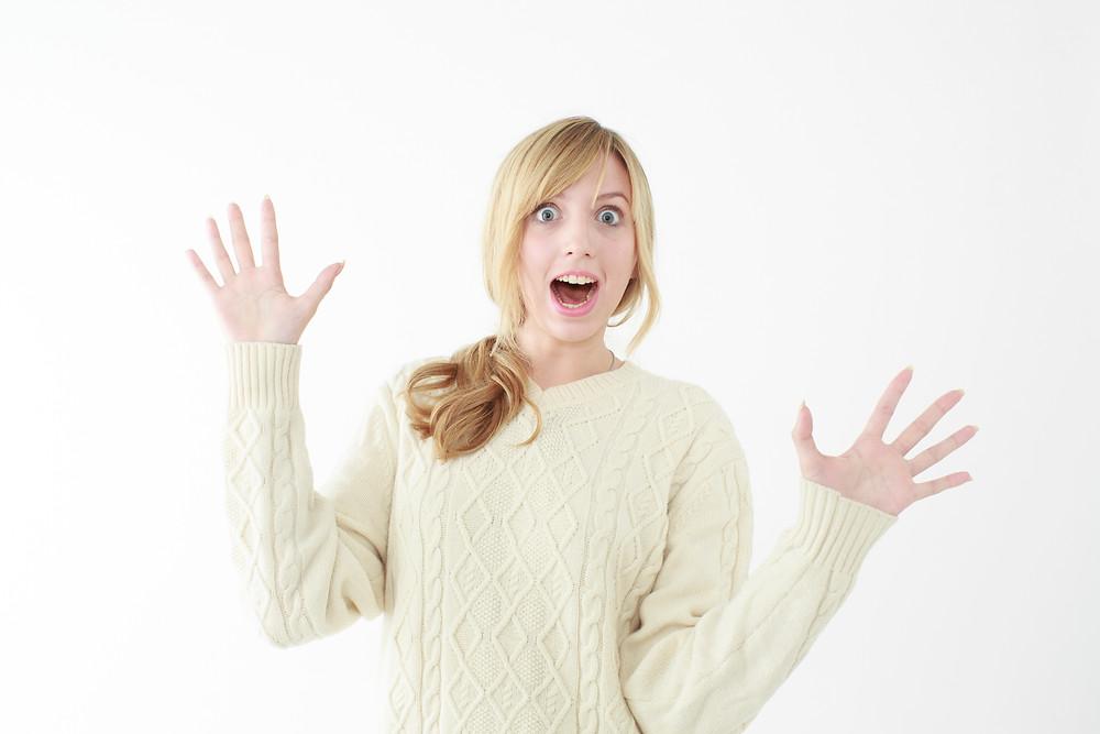 歯科の治療法を聞いて驚く顔