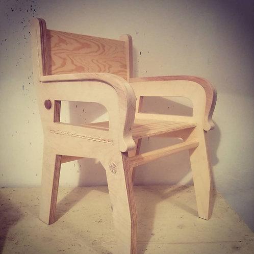 Židlička s područkou