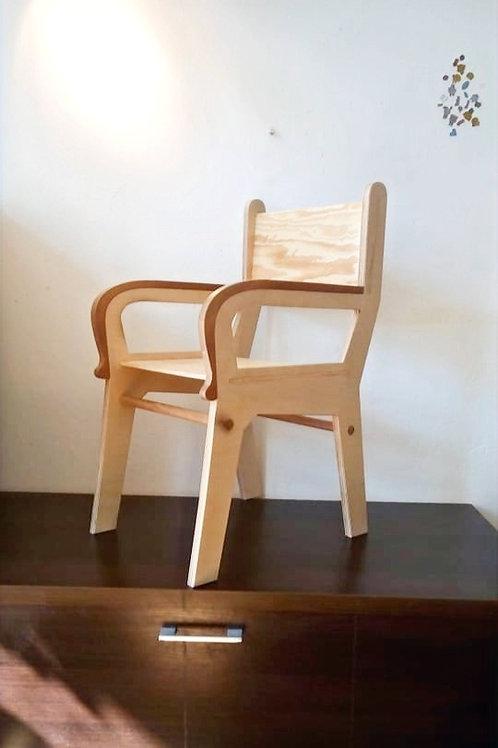 Židlička Wallnut