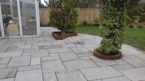 Kandla Grey Patio with Raised Brick Planters
